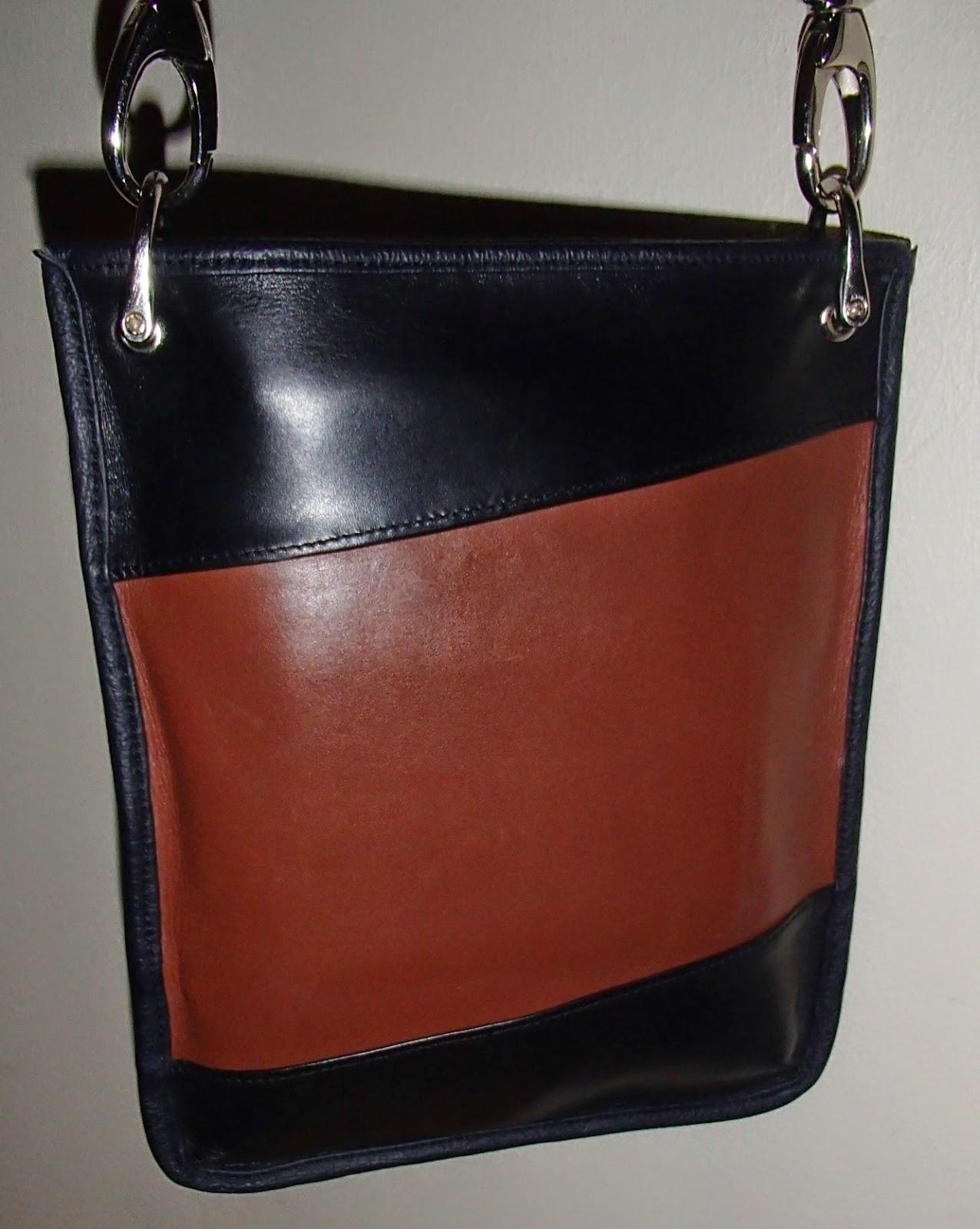 Vue du sac à main en cuir bicolore
