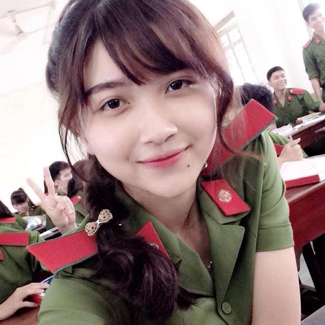 nu sinh canh sat co not ruoi duyen xinh nhat dong nam bo - Tổng Hợp các HOT Girl Nữ Cảnh Sát đốn tim FAN nhất Việt Nam