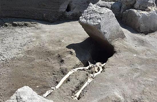 Homem 'mais azarado do mundo' é encontrado em Pompeia - Img 2