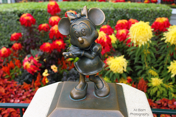 Minnie Mouse Bronze Statue in Disneyland