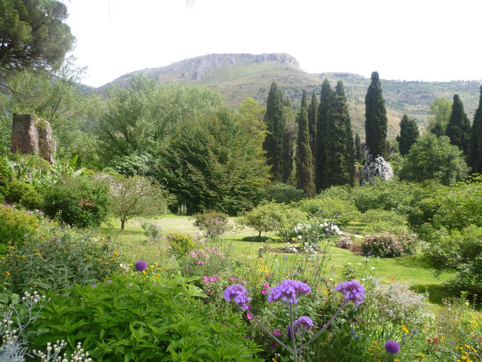 Historical And Regency Romance Uk Ninfa The Most Romantic Garden