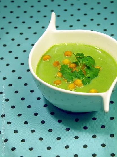 zupa krem z zielonego groszku z serem mascarpone