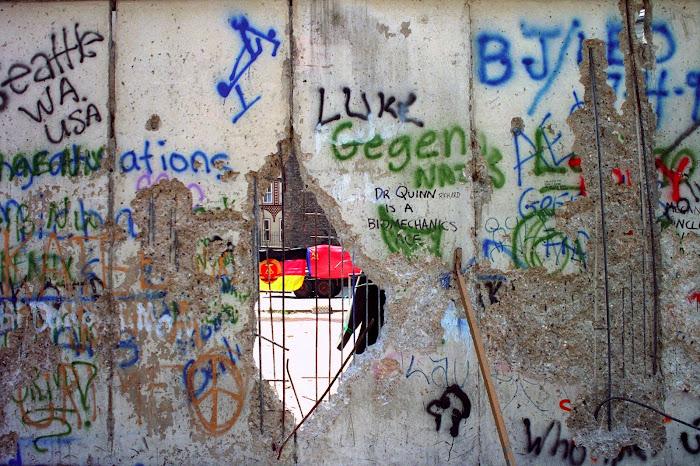 Berlin, mauer, mur, Checkpoint Charlie, © L. Gigout, 1990