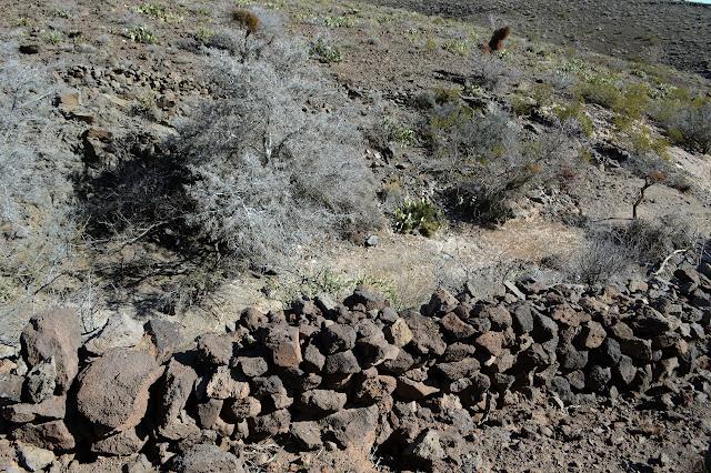 walls lining the canyon