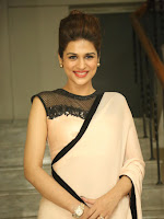 Shraddha Das latest pics in Glamorous Saree-cover-photo
