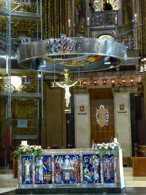 В монастырском соборе Монсеррат