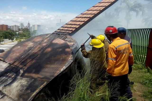 El Cuatro gigante de Barquisimeto se quemó por falta de limpieza de hierbas
