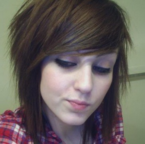 emo haircuts girls with medium