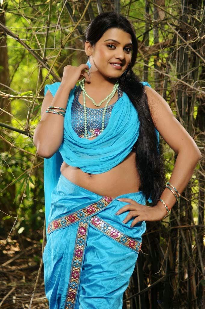 Tashu Kaushik Navel Show | South Indian Navels