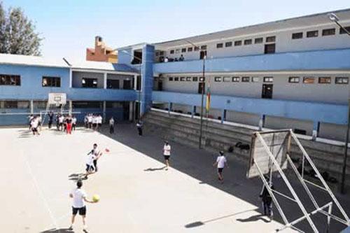 Padres de familia rechazan reubicación del colegio San Luis