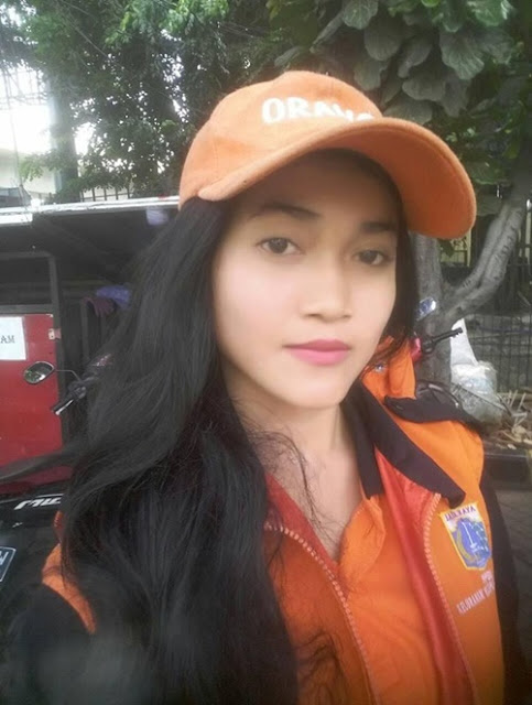 Sellha Purba Pasukan Orange