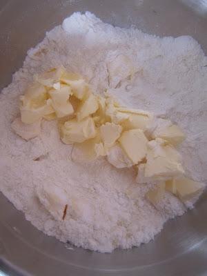 Ajoutez le beurre en dés