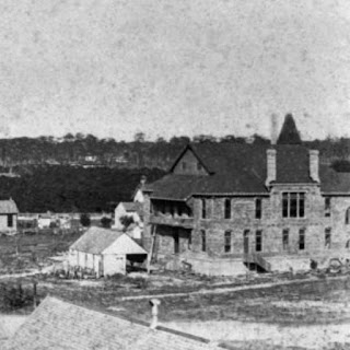 Photo from late 1880s shows DeLand's first courthouse under construction