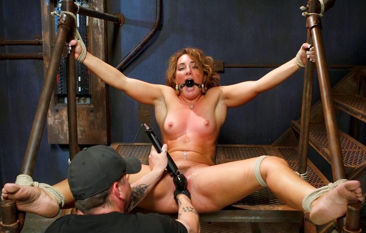 Малкова белых порно фильмы в плену секс рабство две красотки мини