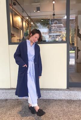 老幫手實搭午後的費南雪有機棉長版外套-酸藍莓