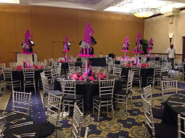 Bat Mitzvah event decoration with shopping theme centerpiece