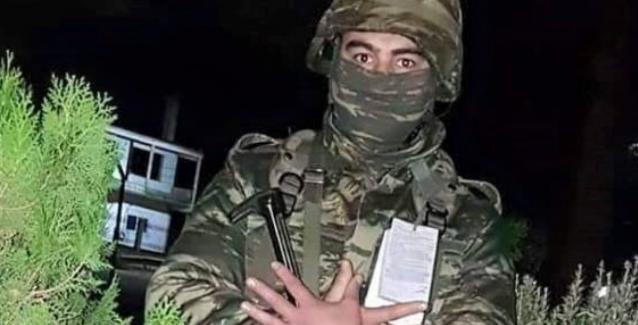 ΑΙΣΧΟΣ ΡΕ! Νέο κρούσμα «αλβανικού αετού» στις ΕΔ: Στρατιώτης που υπηρετεί στα ελληνοτουρκικά σύνορα τον επιδεικνύει με «καμάρι» (ΦΩΤΟ)