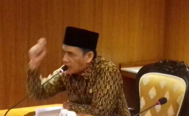 Blak-blakan, Romo Syafi'i: Cabut Mandat Jokowi!