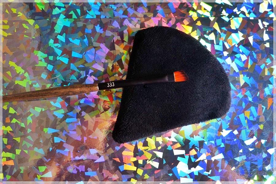 Linda Hallberg Angled Brush review