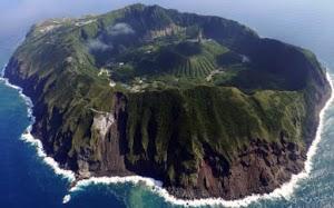 """"""" Aogashima """" Pulau Ekstream Di tengah Gunung Di Jepang"""