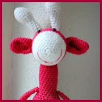 Jirafa rosa amigurumi