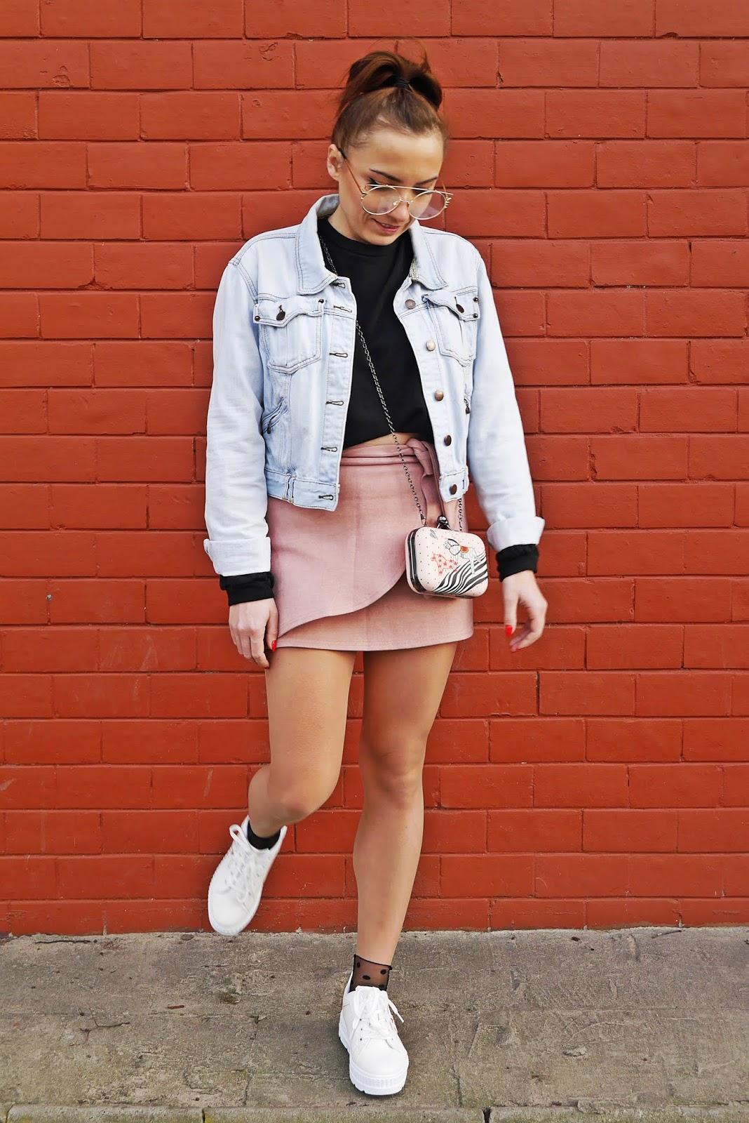 czarna bluza renee design białe platformy renee jeansowa kurtka karyn blog modowy