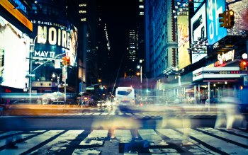 Wallpaper: Crossing Time Square