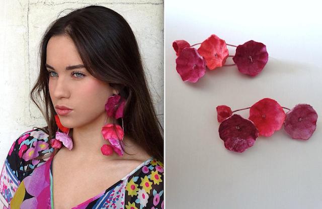 Gioielli di carta 2018, maxi orecchini floreali di Alessandra Fabre Repetto