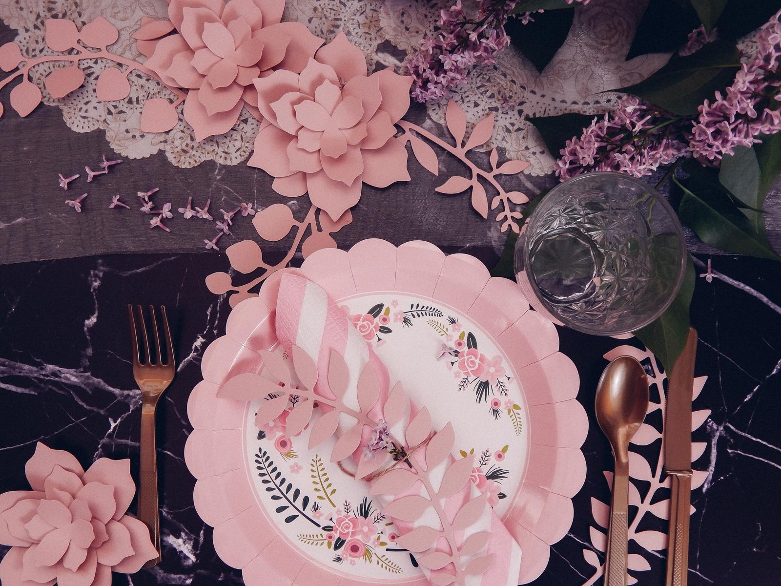 1 partybox.pl imprezu urodziny stroje dodatki na imprezę dekoracje nakrycia akcesoria imprezowe jak udekorować stół na dzień mamy pomysły na dzień matki śniadanie obiad pomysły wystrój stołu melodylaniella