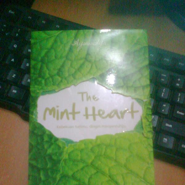 [REVIEW] Tentang Hati yang Sedingin Mint Ice Cream (The Mint Heart)