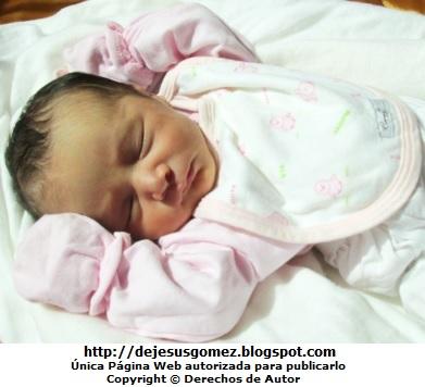 Foto de una bebé niña durmiendo por Jesus Gómez