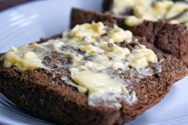 Resultado de imagem para pão australiano com manteiga
