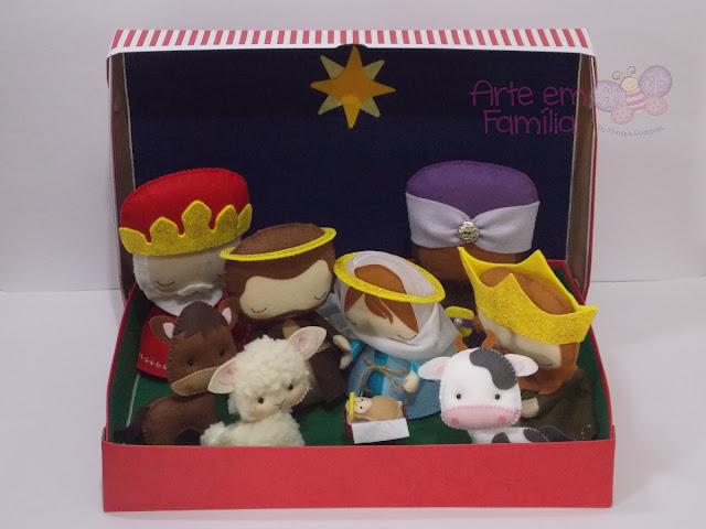 Presépio de natal, para decoração de sala e presentes de natal. Com Jesus, Maria, José e os três reis magos, além dos bichinhos.