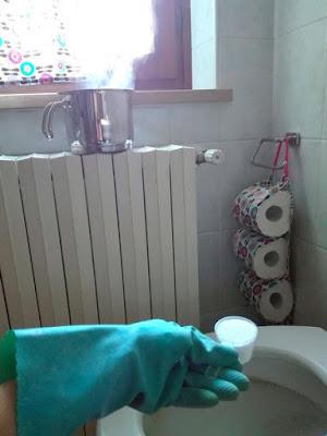 Ingredienti per fare i detersivi in casa: percarbonato