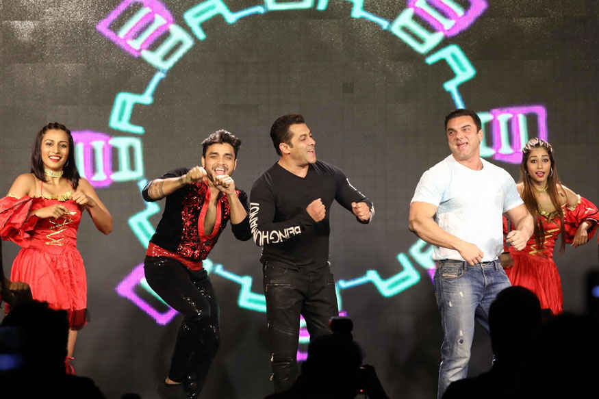 Salman Khan and Matin Rey Tangu at 'Tubelight ki Night' Event Stills