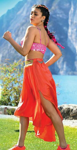 Hottest navel images of Shruti Hassan in Pawan kalyan Starring Katamarayudu