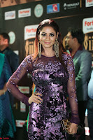 Shilpi Sharma looks Glamorous in Transparent Purple Glittering Gown at IIFA Utsavam Awards 006.JPG