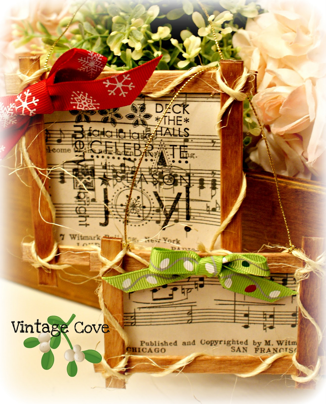 Vintage Cove: Popsicle Stick Frame Christmas Decorations.