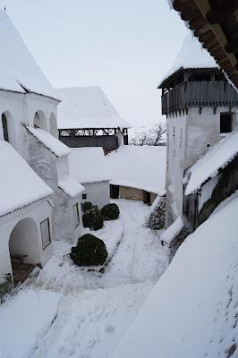 Biserica fortificată din Viscri fortified church Kirchenburg von Deutschweißkirch