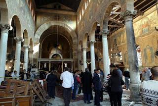 Atentado muçulmano contra catedral cristã mata ao menos 25 fiéis no Cairo