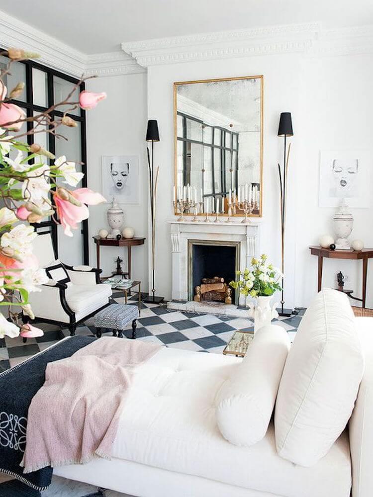 salón sofisticado con detalles en color rosa y oro o dorado