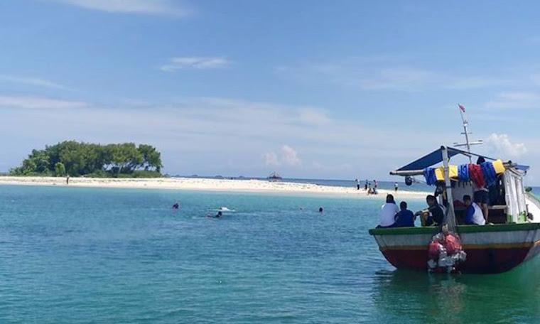 wisata snorkeling dan jelajah pulau badul taman nasional ujung kulon banten
