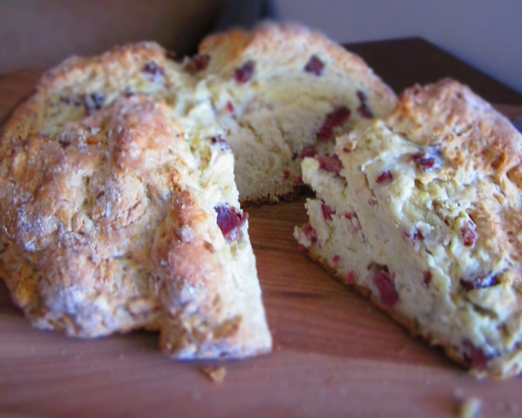 Sunday Snackday Soda Bread With Corned Beef