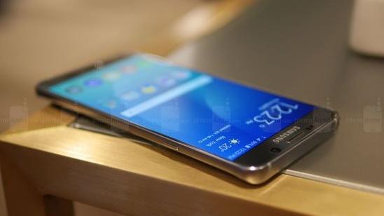 سعر ومواصفات هاتف سامسونج جلاكسى S6 إيدج بلس وصور للهاتف Samsung's Galaxy S6 Edge Plus الجديد