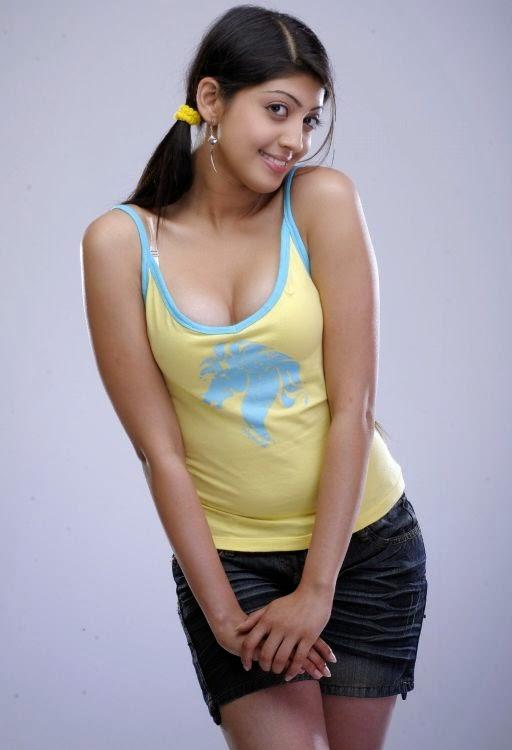 Bikini TM: Saguni Actress Pranitha Latest Hot Photoshoot 2