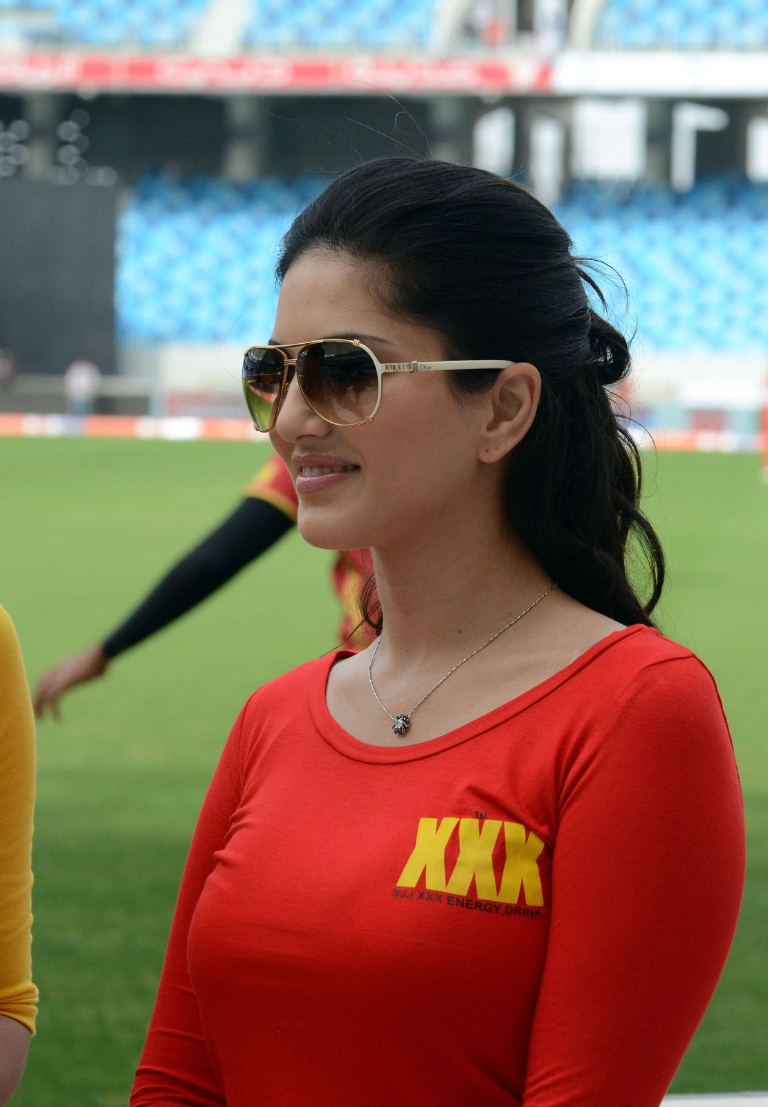 Porn Star Sunny Leone Wear Xxx Shirt During Ccl Match -9776