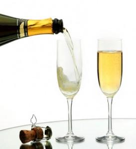 c6b2493622d Cientistas franceses descobriram o segredo para manter a efervescência num  copo de champanhe  derramá-lo como uma cerveja.