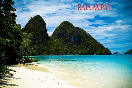Raja Ampat Islands in Papua Featured Attractions