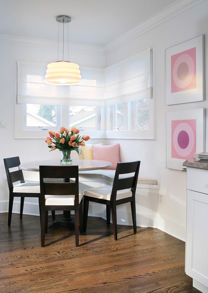Cocina con bancos colores en casa - Mesa esquinera cocina ...