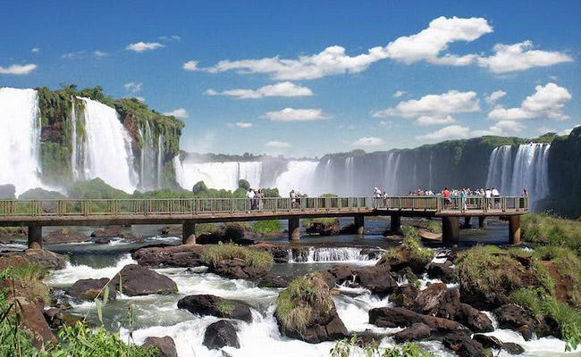 www.xvlor.com Iguazu Falls or Iguazú Falls or Iguaçu Falls